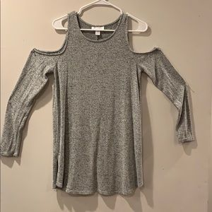 Grey maternity top.